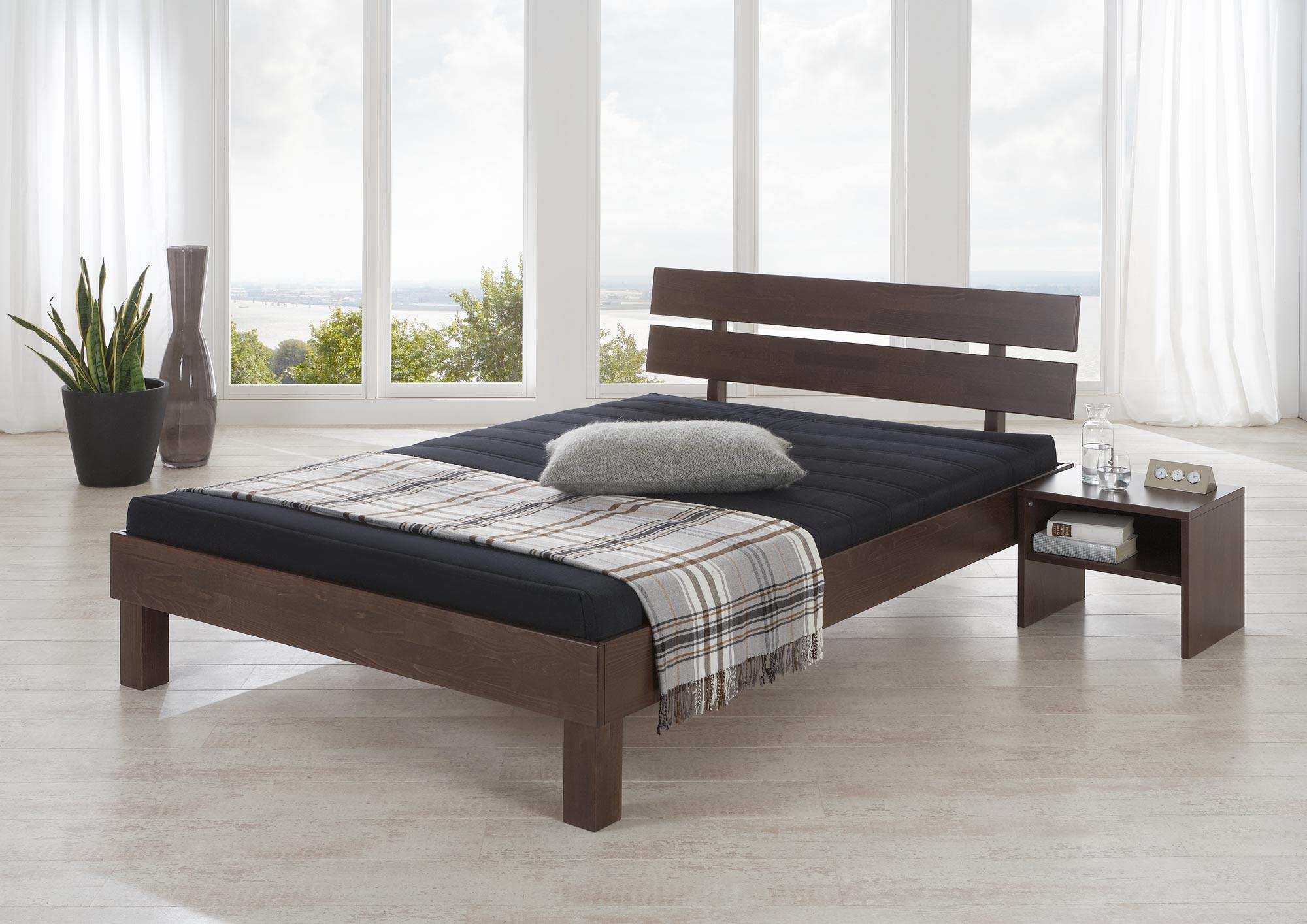 doppelbett 180x200 mit matratze und lattenrost doppelbett x gnstig mit material rahmen aus holz. Black Bedroom Furniture Sets. Home Design Ideas