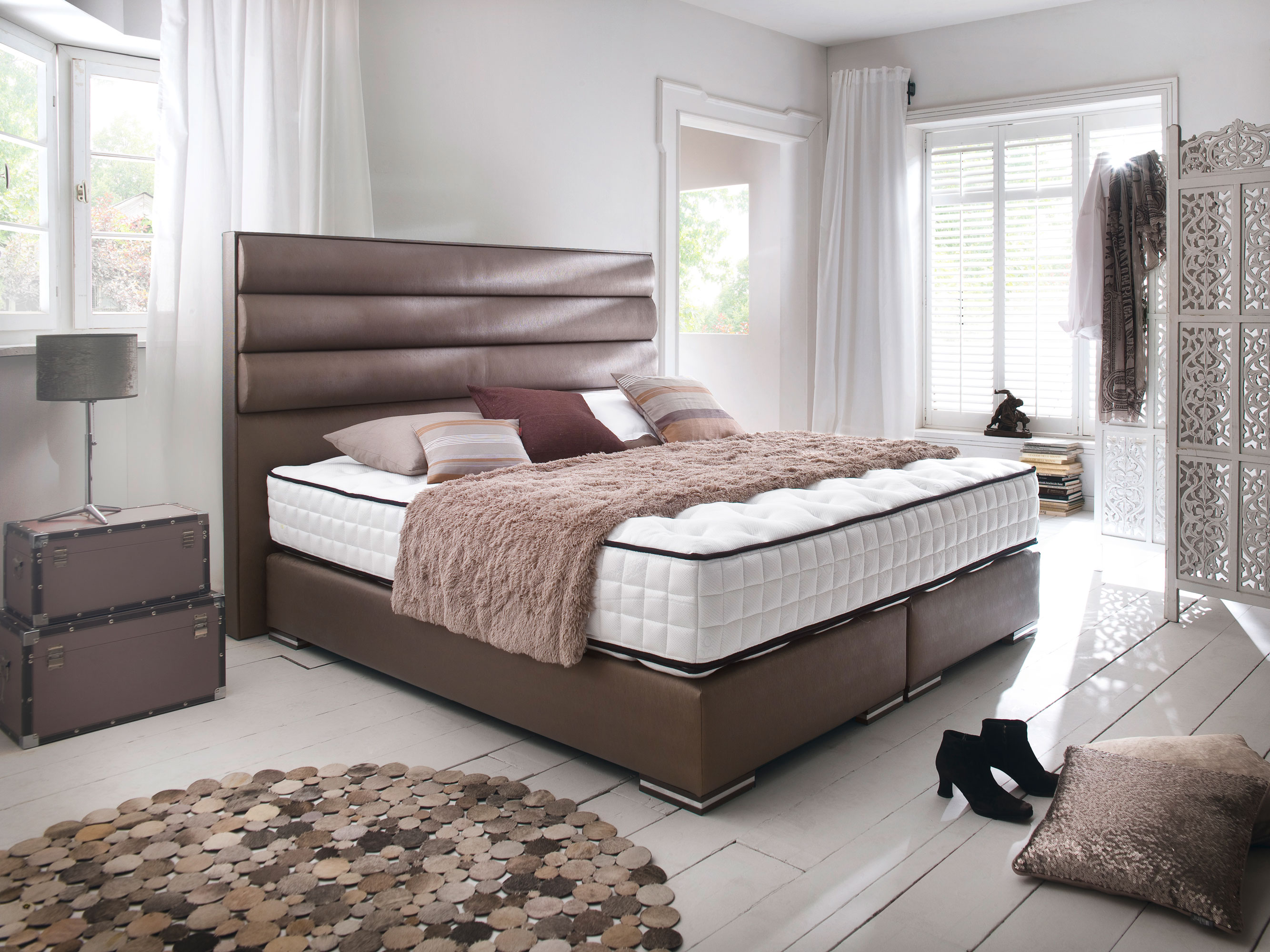 boxspringbett sheffield in vielen farben und stoffarten lieferbar. Black Bedroom Furniture Sets. Home Design Ideas