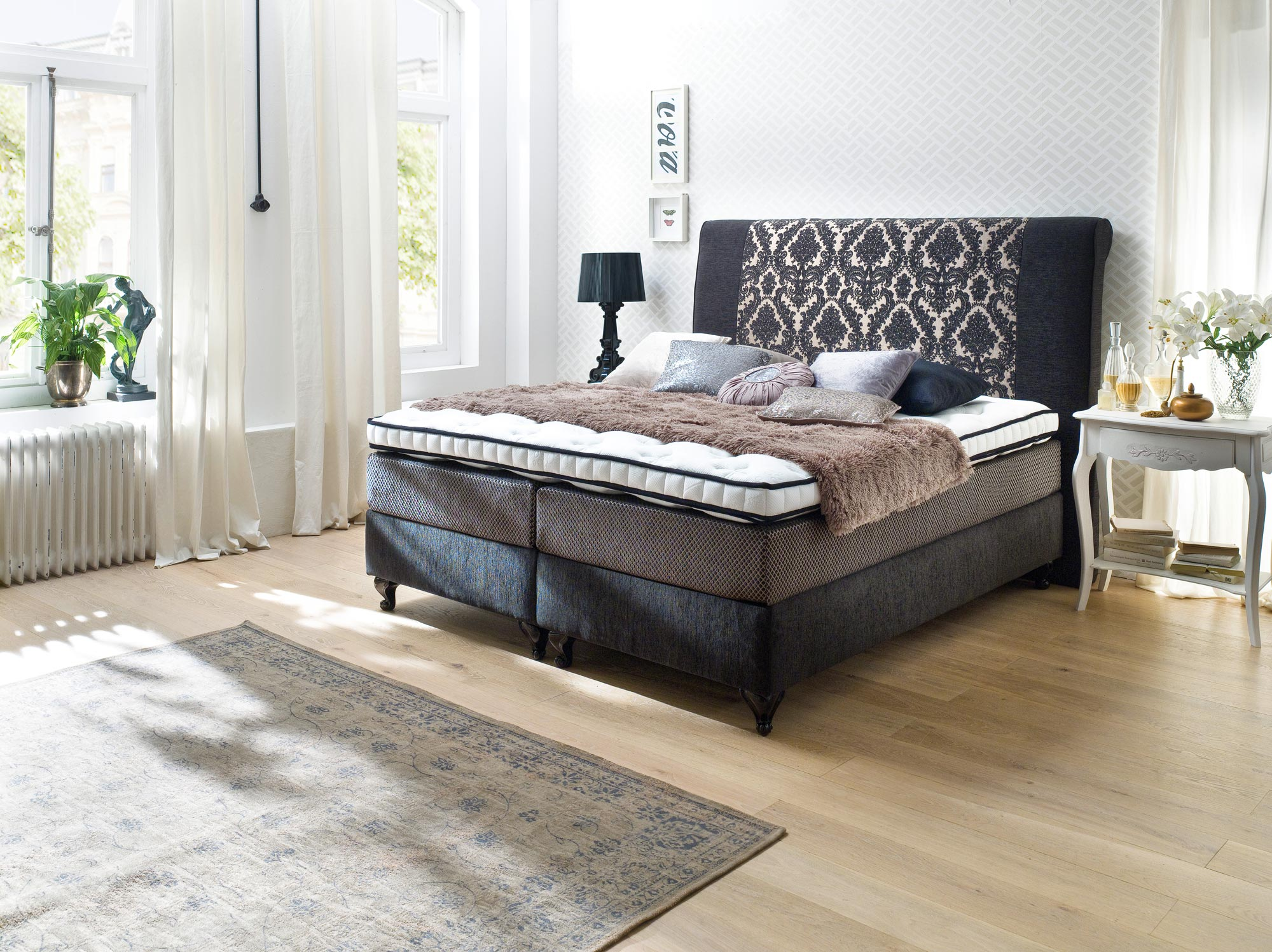 boxspringbett belfast 180x200 cm in gold schwarz mit. Black Bedroom Furniture Sets. Home Design Ideas